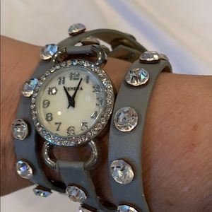 Jewelry - Watch